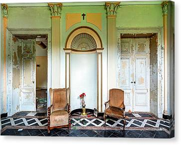 Entrance Hall With Memories - Abandoned Building Canvas Print