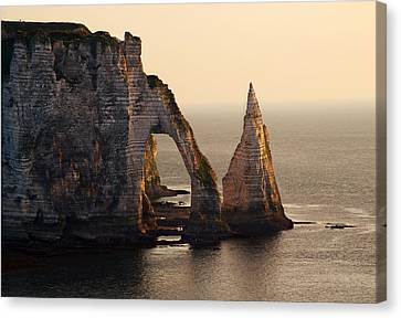 Etretat In Morning Sun Canvas Print