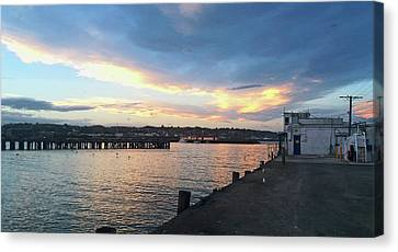 Canvas Print featuring the photograph Evening At The Bay by Nareeta Martin