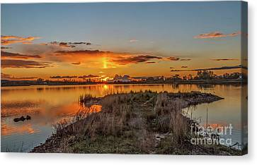 Canvas Print featuring the photograph Evening Delight by Robert Bales
