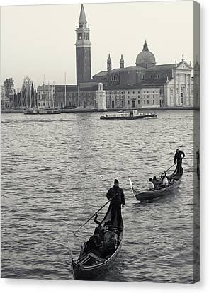 Canvas Print featuring the photograph Evening Gondoliers, Venice, Italy by Richard Goodrich