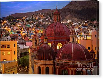 Evening In Guanajuato Canvas Print by Inge Johnsson