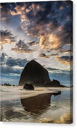 Evening Light At Cannon Beach Canvas Print