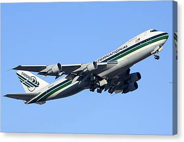 Evergreen International Boeing 747-212b N482ev Phoenix Sky Harbor Arizona December 23 2011 Canvas Print by Brian Lockett