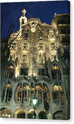 Exterior View Of An Antoni Gaudi Canvas Print by Richard Nowitz