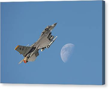 Canvas Print featuring the photograph F16 - Aiming High by Pat Speirs