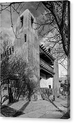 Facade Of New Mexico Museum Of Art In Bw - Santa Fe New Mexico Canvas Print by Silvio Ligutti
