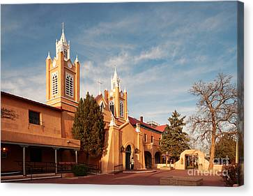 Facade Of San Felipe De Neri Church In Old Town Albuquerque - New Mexico Canvas Print