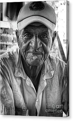 Faces Of Cuba The Gentleman Canvas Print by Wayne Moran