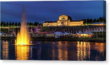 Fair Sy Louis In The Grand Basin Of Forest Park Canvas Print by Garry McMichael