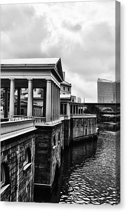 Fairmount Water Works In Black And White Canvas Print by Bill Cannon