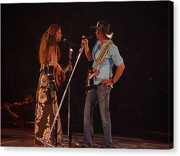 Faith And Tim Sing Canvas Print by Bobby Miranda