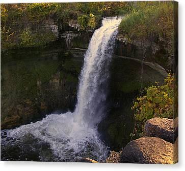 Fall At Minnehaha Falls Canvas Print by Tom Reynen