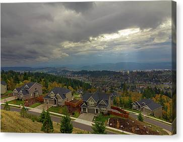 Fall Season In Happy Valley Oregon Canvas Print by David Gn