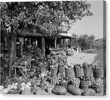 Farmers Market With Bushel Baskets Canvas Print by H. Armstrong Roberts/ClassicStock