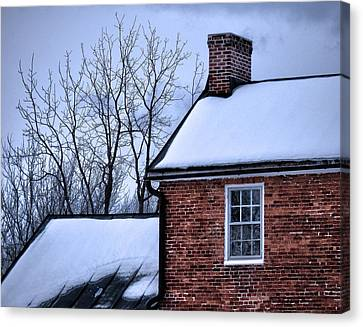 Canvas Print featuring the photograph Farmhouse Window by Robert Geary