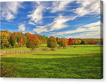 Canvas Print featuring the photograph Farmland In Sherborn Massachusetts by Juergen Roth