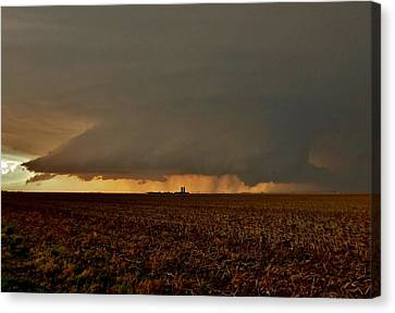 Canvas Print featuring the photograph Farmland Supercell by Ed Sweeney