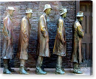 Fdr Memorial 4 Canvas Print by Randall Weidner