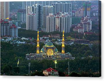 Federal Territory Mosque Canvas Print by David Gn