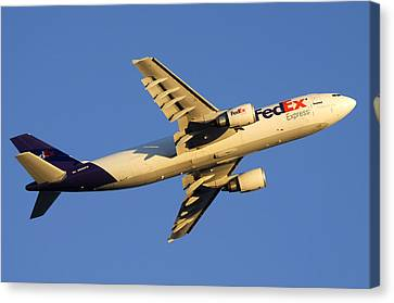 Fedex Airbus A300f4 605r N692fe Phoenix Sky Harbor December 23 2010 Canvas Print by Brian Lockett