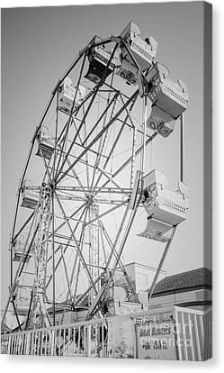 Ferris Wheel In Newport Beach California Canvas Print by Paul Velgos