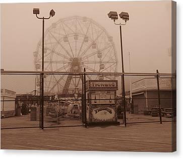 Ferris Wheel Canvas Print by Peter Aiello