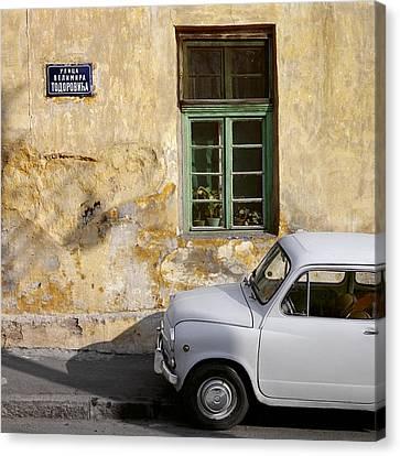 Fiat 600. Belgrade. Serbia Canvas Print by Juan Carlos Ferro Duque