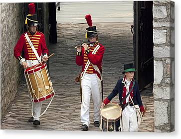 Fife And Drum Canvas Print by Peter Chilelli