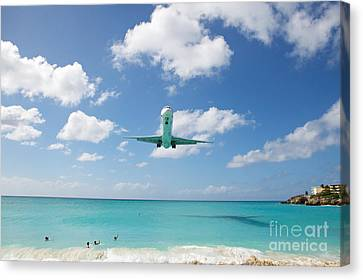 Final Approach Canvas Print by Kim Fearheiley