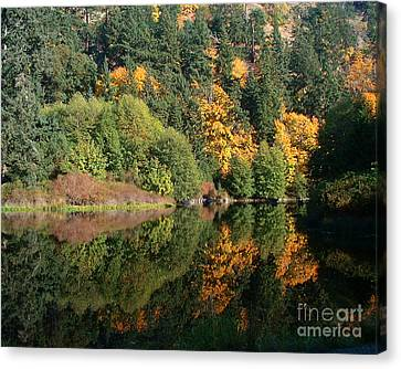 Canvas Print featuring the photograph Final Reflection by Larry Keahey
