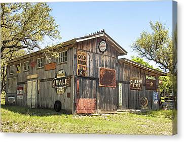 Fine Art America Pic 134 Old Barn Canvas Print by Darrell Taylor