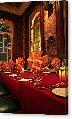 Fine Dinning Canvas Print by Larry Underwood