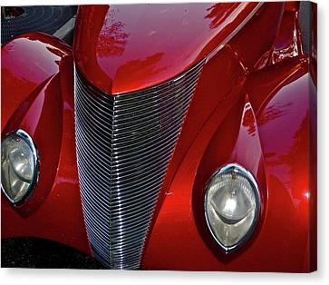 Fine Red Curves Canvas Print by Richard L Gordon