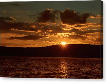 Finger Lakes New York Sunset 01 Canvas Print by Thomas Woolworth