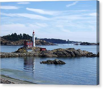 Canvas Print featuring the photograph Fisgard Lighthouse Shoreline by Marilyn Wilson