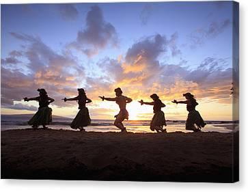 Five Hula Dancers At Sunset At The Beach At Palauea Canvas Print by David Olsen