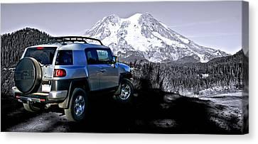 Fj Cruiser Mt. Rainier Washington Canvas Print