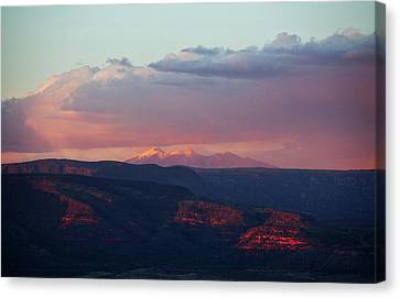 Canvas Print featuring the photograph Flagstaff's San Francisco Peaks Snowy Sunset by Ron Chilston