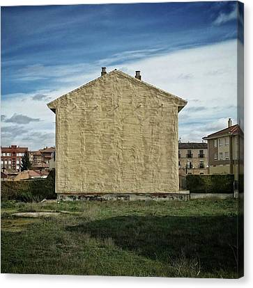 Flat House #architecture #building Canvas Print by Rafa Rivas