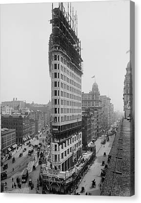 Flatiron Building During Construction Canvas Print by Everett