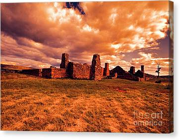 Canvas Print featuring the photograph Flinders Ranges Ruins by Douglas Barnard
