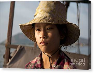 Floating Drink Seller Girl On The Tonle  Sap Lake In Cambodia Canvas Print