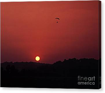 Canvas Print featuring the photograph Floating In Space by Thomas Bomstad