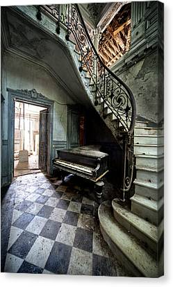 Forgotten Ancient Piano - Urban Exploration Canvas Print