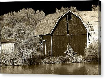 Forgotten Farm Canvas Print by Scott Hovind