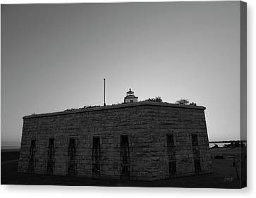 Fort Taber Nb II Bw Canvas Print by David Gordon