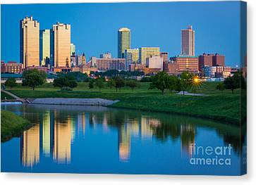 Fort Worth Mirror Canvas Print by Inge Johnsson