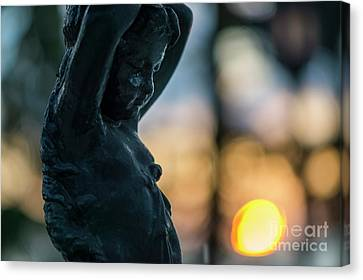 Canvas Print featuring the photograph Fountain At Sunset Alameda Apodaca Cadiz Spain by Pablo Avanzini
