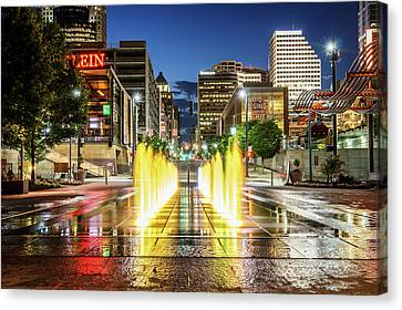 Fountain Fun In The Queen City Canvas Print
